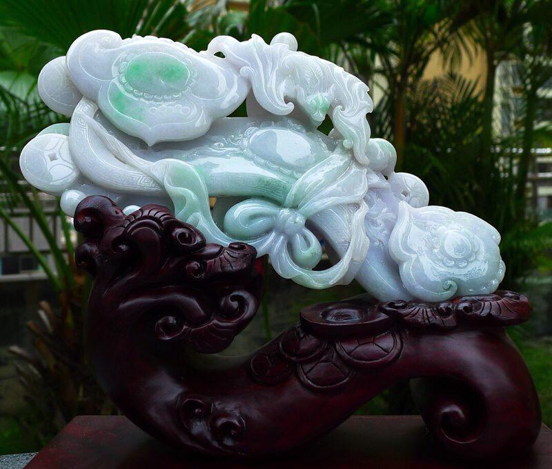 缅甸天然翡翠A货 精美飘花飘绿  老坑水润,如意摆件 万事如意 事事顺心雕刻精美线条流畅种水好 搭配