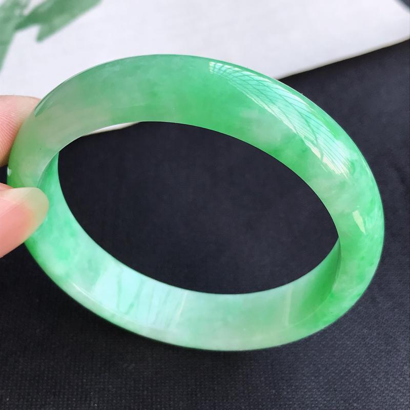 圈口57mm天然翡翠A货老坑糯种飘绿正圈手镯,圈口:57.9×13.6×7.1mm,料子细腻,水头好