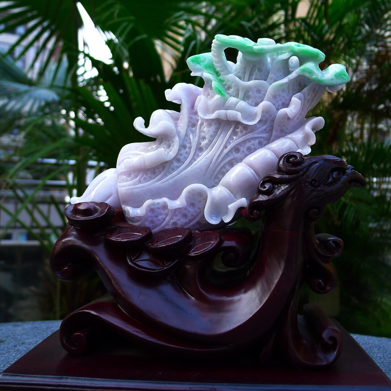 白菜摆件 缅甸天然翡翠A货 精美春带彩 飘绿,八方来财 财源广进 升官发财 白菜摆件 雕刻精美线条流