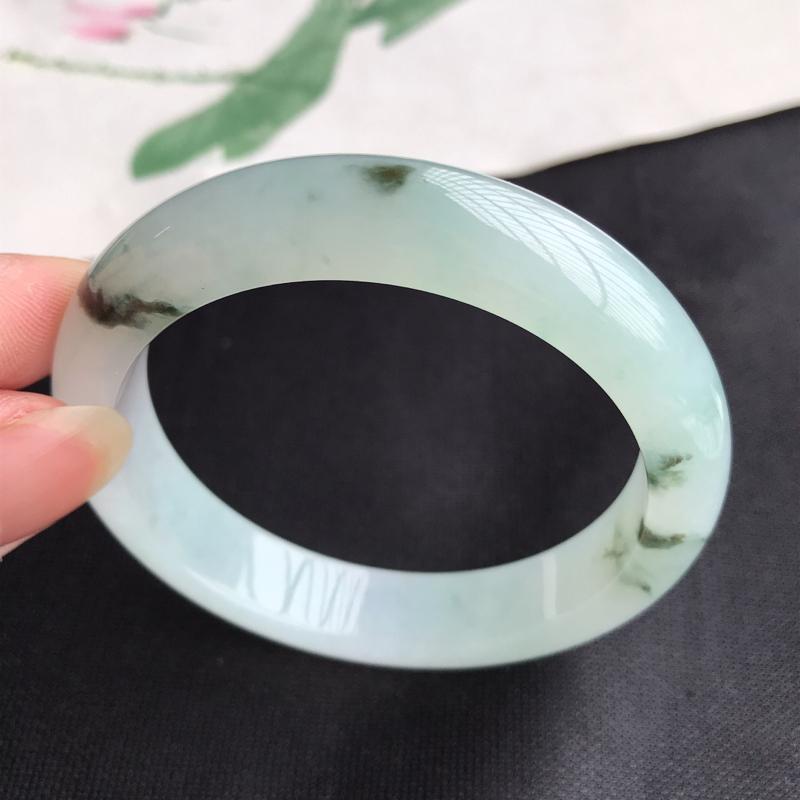 圈口55mm天然翡翠A货老坑糯化种飘花正圈手镯,圈口:55.5×12.2×8.2mm,料子细腻,水头