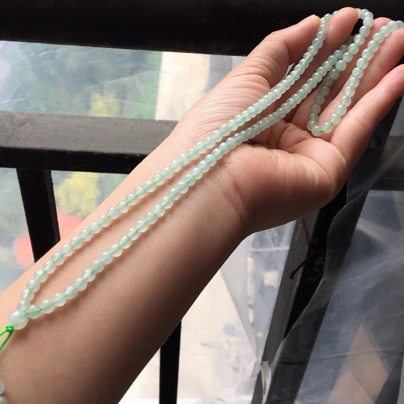 缅甸翡翠A货晴水绿项链,也可以做手串,玉质细腻,大珠6.3mm,小珠4.5mm