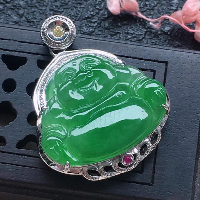 缅甸翡翠18K金伴钻镶嵌满绿佛公吊坠,颜色好,玉质细腻,雕工精美,佩戴送礼佳品,包金尺寸: 23.4