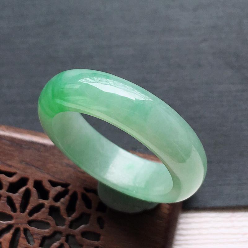 糯种飘绿戒指,
