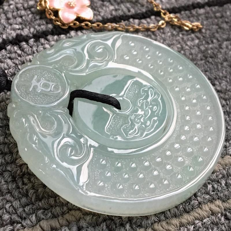 完美,缅甸翡翠A货浅绿吉祥如意平安扣吊坠,玉质细腻,老坑水足,54.5-53.8-6.9mm