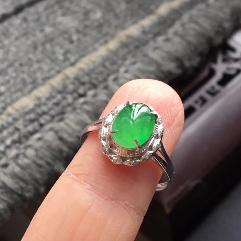 完美,缅甸翡翠A货冰阳绿戒指,镶嵌18K金伴钻,内直径16.1mm,绿蛋面8-5.6-3,圈口可以免