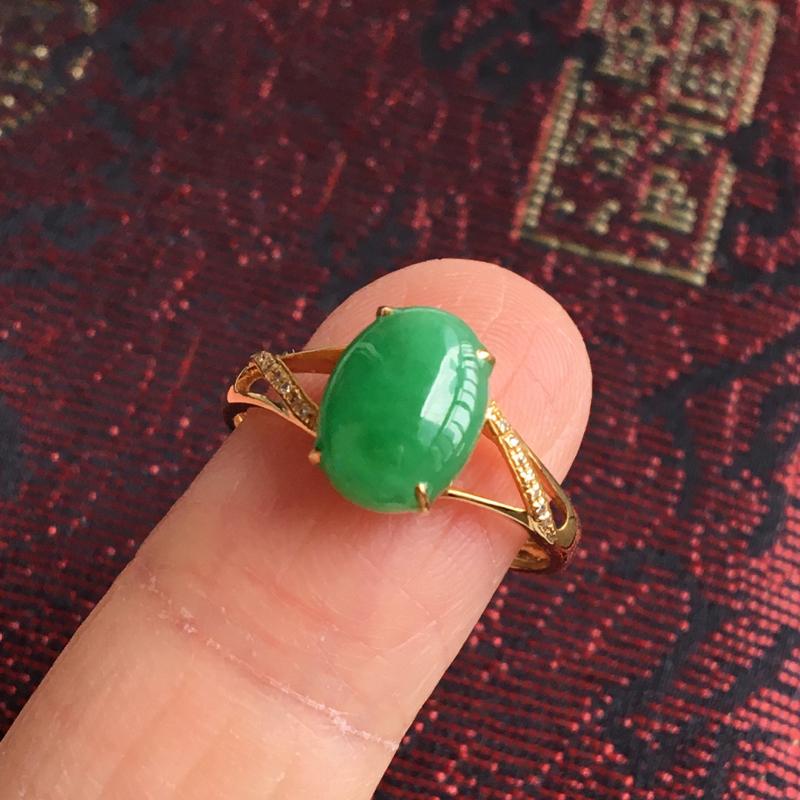 完美,缅甸翡翠A货满绿戒指,镶嵌18K金伴钻,内直径17.4mm,绿蛋面9.7-7.1-3.2,圈口