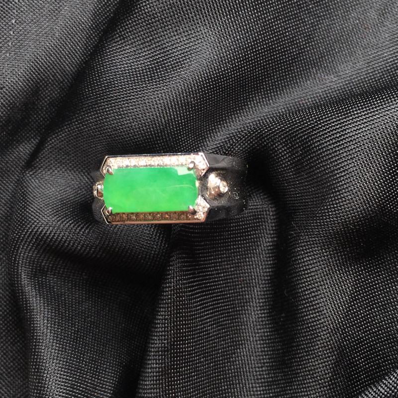 【翡翠a货,满绿马鞍戒指,18k金镶嵌,种水一流,佩戴精美,性价比高】图2