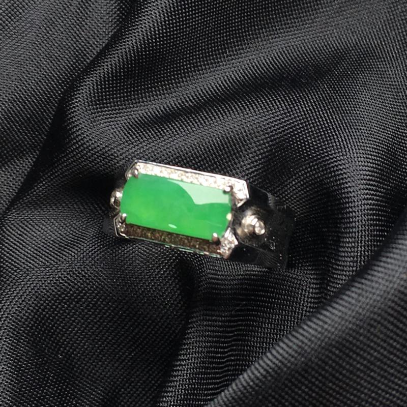 【翡翠a货,满绿马鞍戒指,18k金镶嵌,种水一流,佩戴精美,性价比高】图4