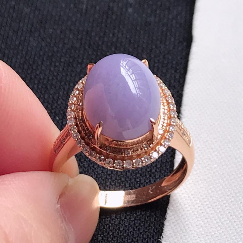 翡翠A货,18K金镶嵌糯种紫罗兰蛋面戒指,玉质细腻,底色漂亮,上身高贵,尺寸内径17.1,裸石12.