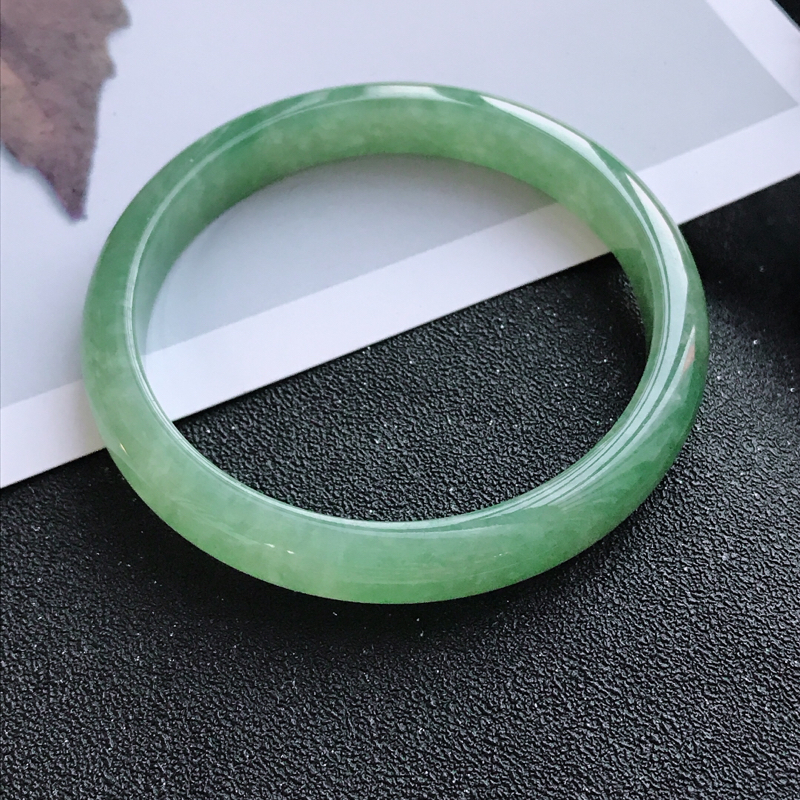 满绿正圈,缅甸天然翡翠A货老坑手镯,尺寸58.7*9.6*6.8上手高档