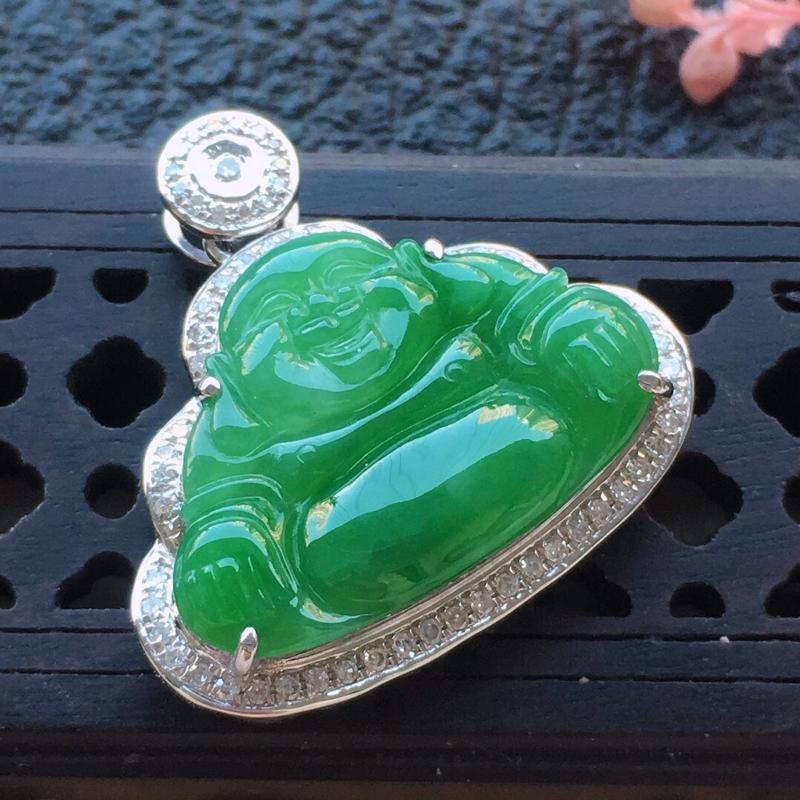 缅甸翡翠18k金伴钻镶嵌满绿佛公吊坠,自然光实拍,颜色漂亮,玉质莹润,佩戴佳品,包金尺寸:20.7*