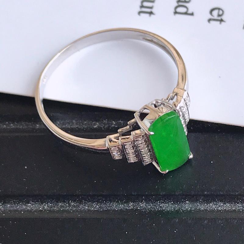 镶嵌18k金伴钻戒指,天然翡翠A货,裸石长9.7-4.2-3内径17mm