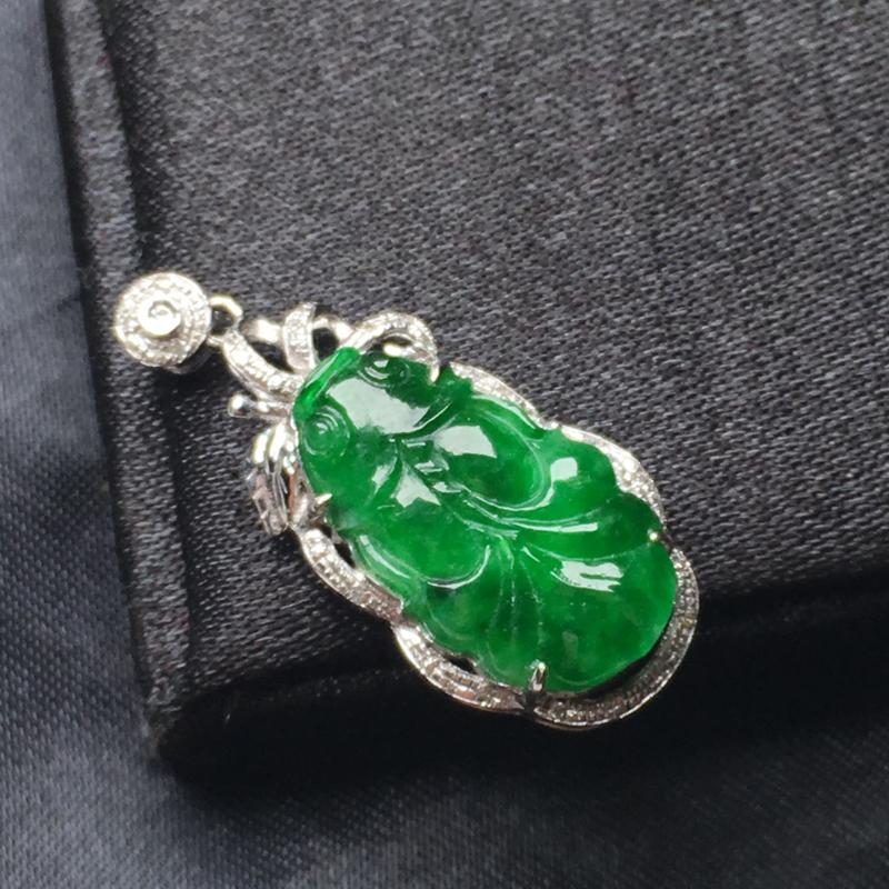 翡翠a货,满绿年年有鱼吊坠,18k金镶嵌,种水一流,佩戴精美,性价比高##**