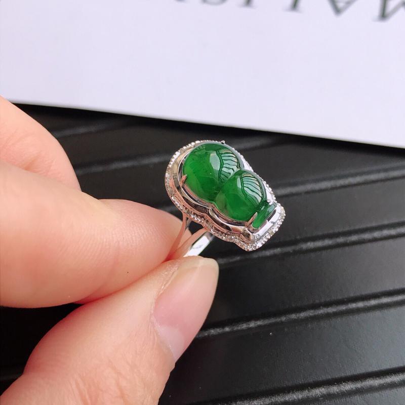 满绿招财葫芦戒指镶嵌18k金伴钻戒指,天然翡翠A货,内径17.3-裸石长12.9-8-3.5