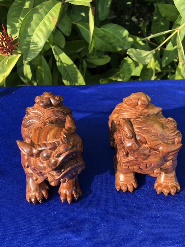 正宗海南黄花梨油梨雕件(貔貅一对)、颜色均匀,纹理清晰、大师雕工,材质细腻、规格:长99mm 宽:5