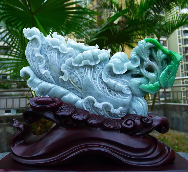 缅甸天然翡翠飘阳绿