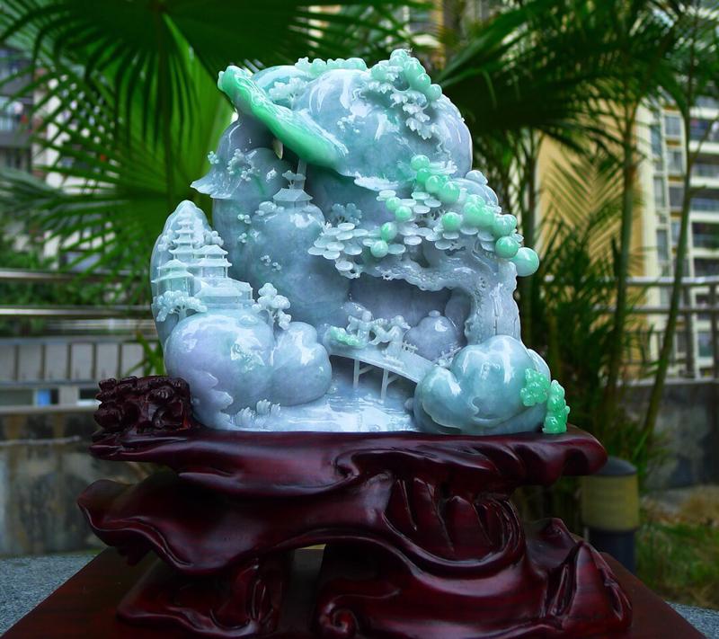 精雕飘绿 淡春带彩 大件山水摆件 缅甸天然翡翠A货 精美 高山流水 山水摆件 雕刻精美线条流畅种水好