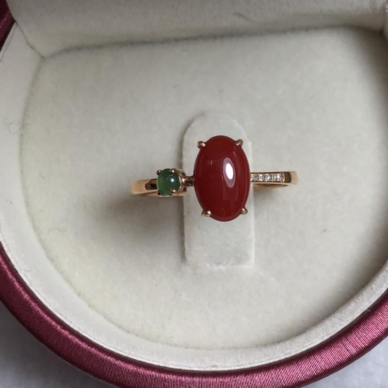【阿卡红珊瑚戒指💍】日本阿卡材料,适合中等偏瘦手型,蛋面深红色,精致款!光泽水嫩柔润透亮,裸石尺寸为