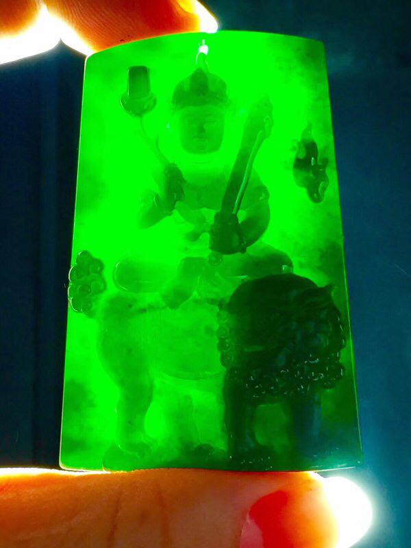 墨翠【文殊菩萨】完美无裂纹,细腻干净,黑度好,性价比高,雕工精湛,打灯透绿
