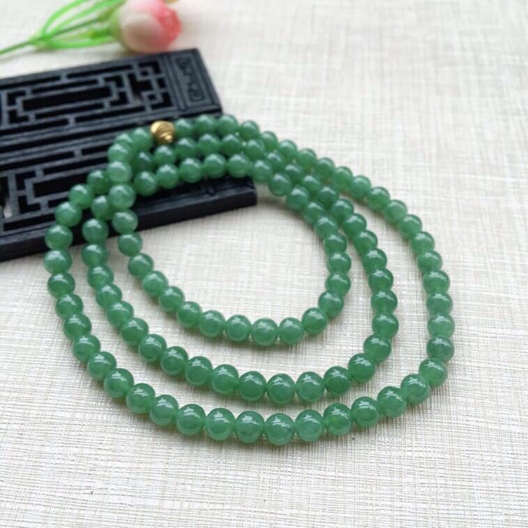 天然A货翡翠【自然光拍摄】莹润108颗满绿圆珠项链,珠圆玉润,珠子大小均匀,圆滑饱满,满绿鲜艳,佩戴