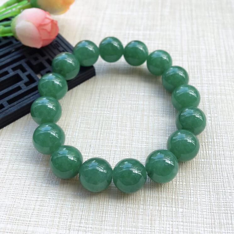 天然A货翡翠【自然光拍摄】水润满绿圆珠手链,珠圆玉润,珠子大小均匀,圆润饱满,满绿均匀,清新翠绿色,