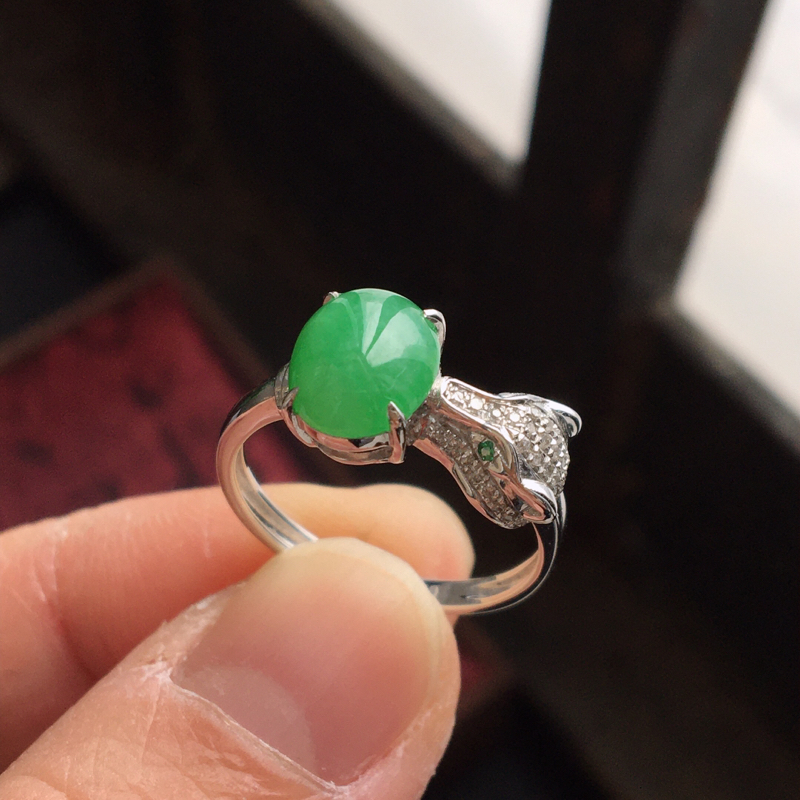 【完美,缅甸翡翠A货卡地亚经典款戒指,镶嵌18K金伴钻,内直径17mm,可以改圈口】图4