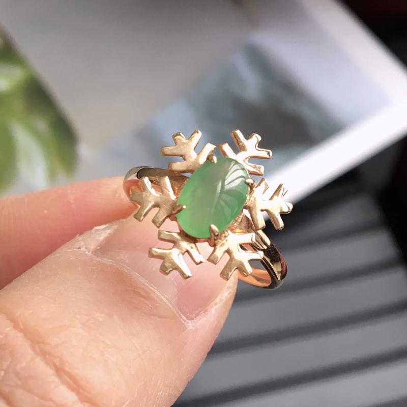 完美,缅甸翡翠A货唯美雪花❄️戒指,镶嵌18K金,内直径16.5mm,可以改圈口