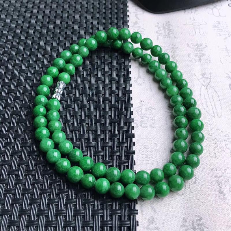 天然A货翡翠满绿珠链,色靓,珠大约7mm,共74颗,重量47.65g