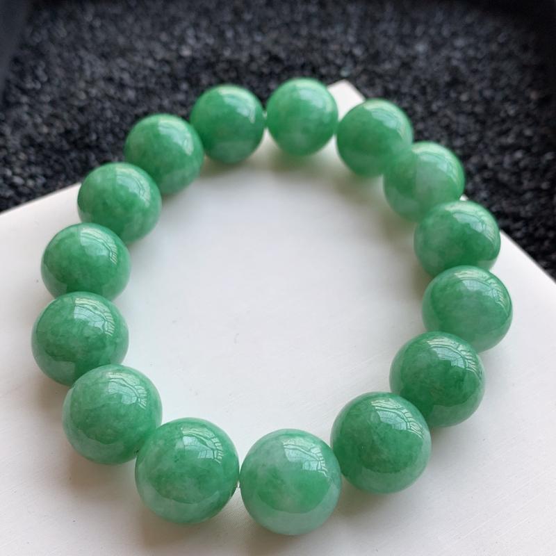 🙏缅甸天然翡翠A货   饱满圆润豆绿圆珠手链,尺寸14.2mm,共15颗,质地细腻,珠圆玉润,豆色饱