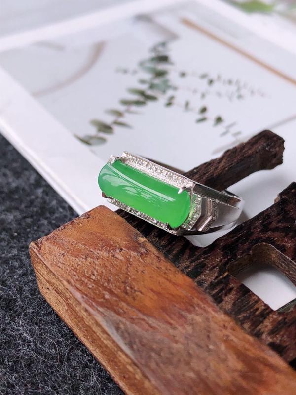 【镶嵌18k寄了伴钻完美戒指天然翡翠A货,尺寸:13-5.5-3内径17mm】图6