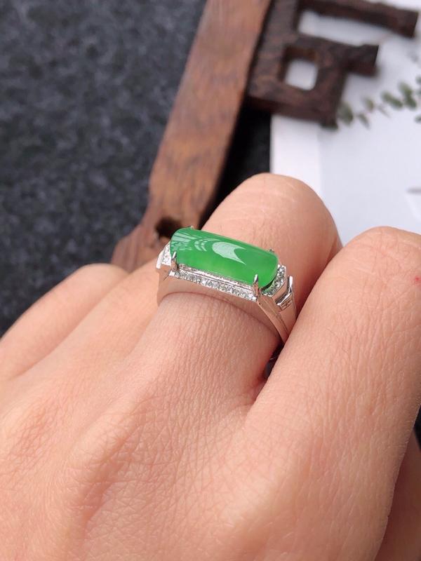 【镶嵌18k寄了伴钻完美戒指天然翡翠A货,尺寸:13-5.5-3内径17mm】图7