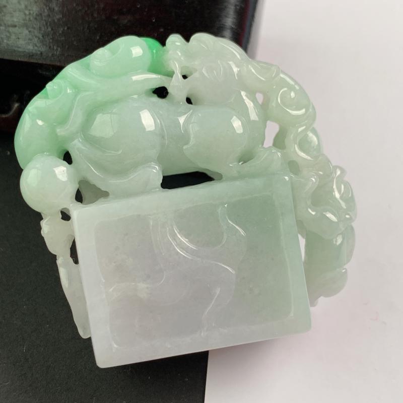 缅甸a货翡翠,阳绿貔貅印章,玉质细腻,颜色艳丽,雕工精细,寓意佳