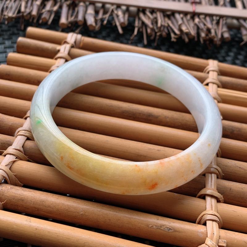 翡翠手镯内径58.5、天然A货翡翠特色黄翡手镯、特色黄翡双彩、无纹裂