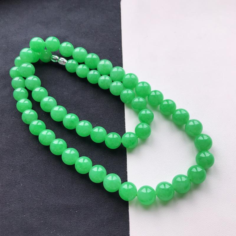 天然翡翠A货冰糯种飘阳绿饱满圆珠项链,尺寸珠10.9mm玉质细腻,底色漂亮,上身效果好看