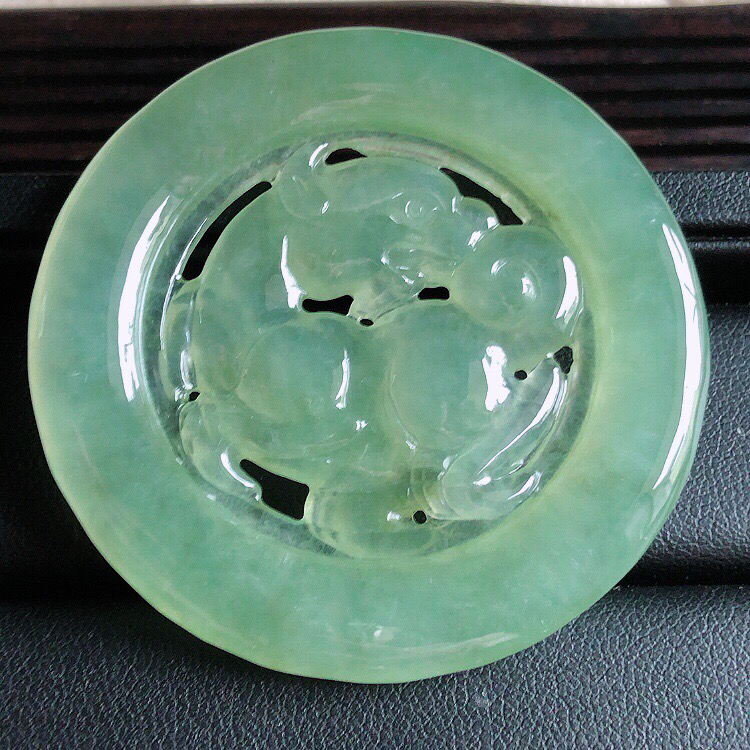 【原价2330】*缅甸天然翡翠A货晴水绿镂空貔貅吊坠,料子细腻柔洁,尺寸55/4.5mm,重量29.