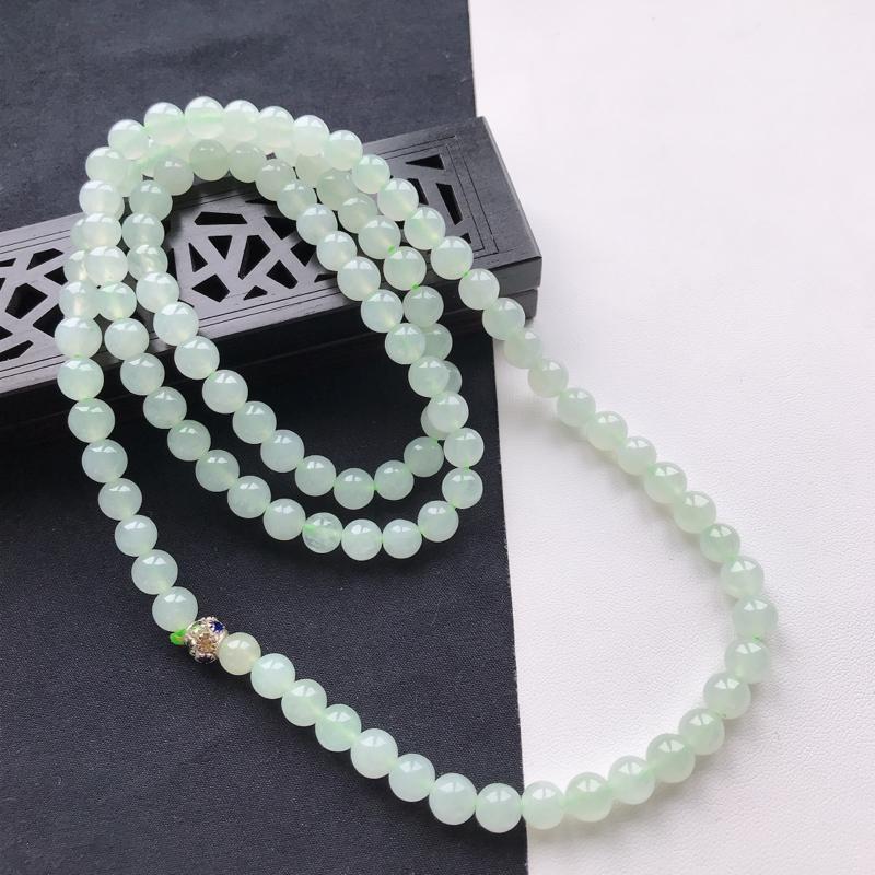 天然翡翠A货糯化种淡绿饱满圆珠项链,尺寸6.7mm 玉质细腻,底色漂亮,上身效果好看