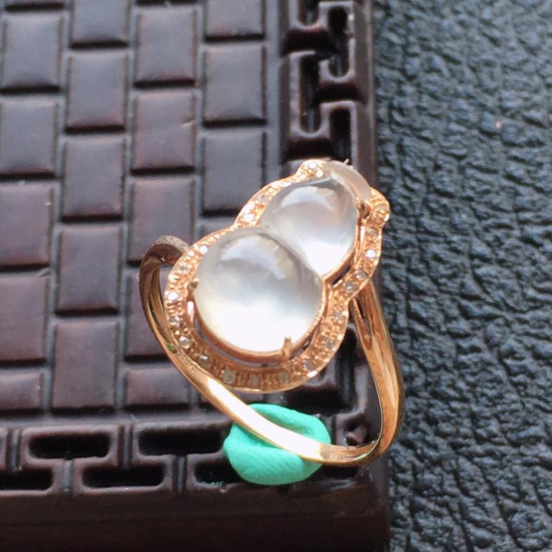 缅甸翡翠17圈口18k金围钻镶嵌葫芦戒指,自然光实拍,颜色漂亮,玉质莹润,佩戴佳品,内径:17.6m
