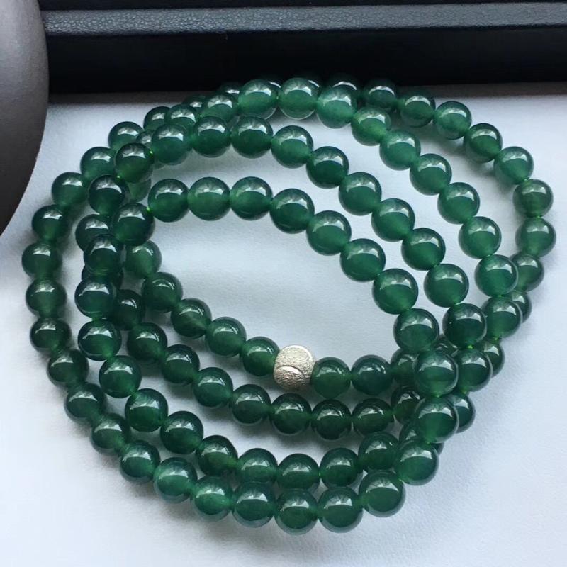冰糯种油绿佛珠项链 种老冰莹润泽起莹光,质地细腻,共108颗 珠径6.4mm