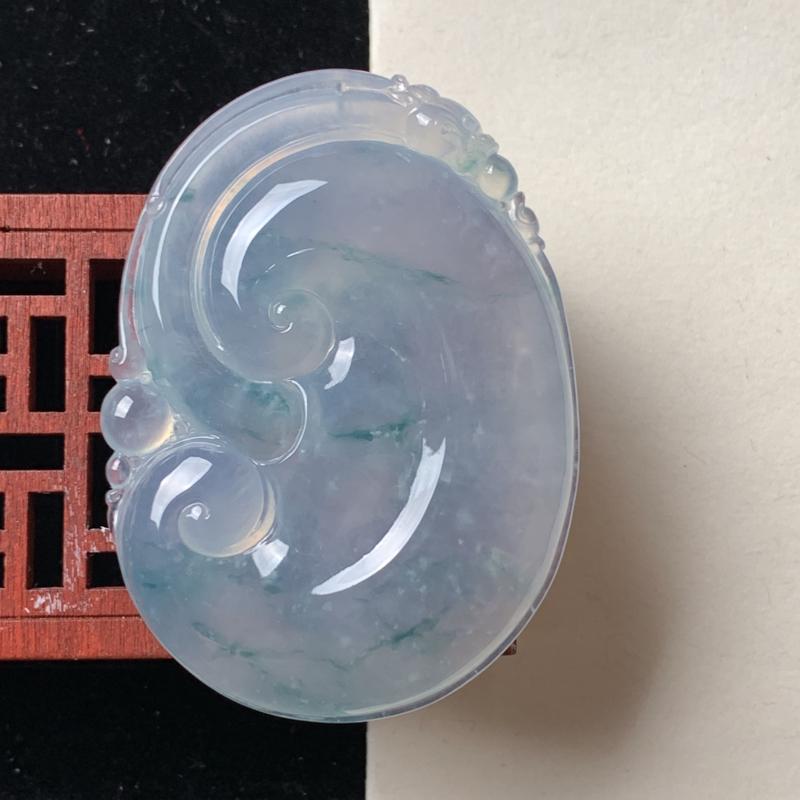 天然A货翡翠_冰种翡翠如意吊坠,尺寸60.3*43.4*8.1mm,料子细腻,冰润透亮,雕工精细,底