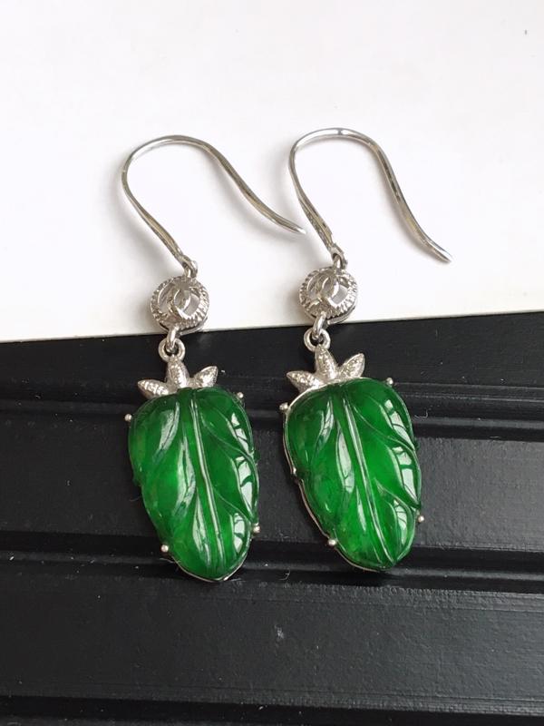 完美,缅甸翡翠A货满绿叶子福气耳坠,镶嵌18K金伴钻,总尺寸35.6-8.9-3.4mm
