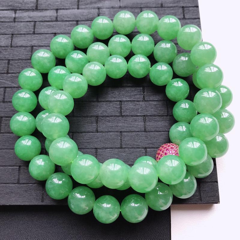 天然翡翠A货糯化种满绿精美圆珠项链,尺寸11mm,玉质细腻,种水好 底色漂亮,上身效果漂亮