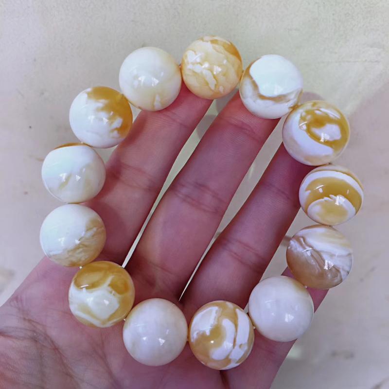 收藏珍品金瓷白妖花蜜蜡大手串 全品无杂无裂,颗颗精攒,颗颗妖孽,毕业级手串,一颗珠子都很难得,何况这