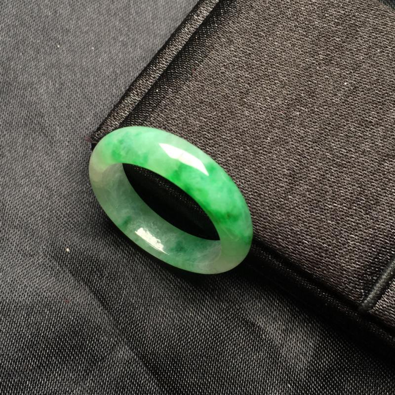 翡翠a货,飘绿指环,种水一流,佩戴精美,性价比高,色美