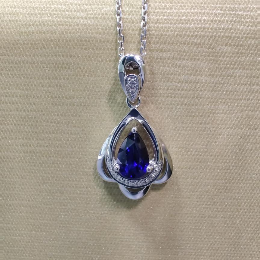 【吊坠】18k金+蓝宝石+钻石 宝石颜色纯正 切红精细 主石:0.53ct  货重:1.64g##*