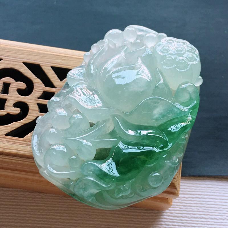 冰糯种大件厚装飘绿花开富贵吊坠, 料子细腻,雕工精美,颜色漂亮,尺寸:48×36×14mm