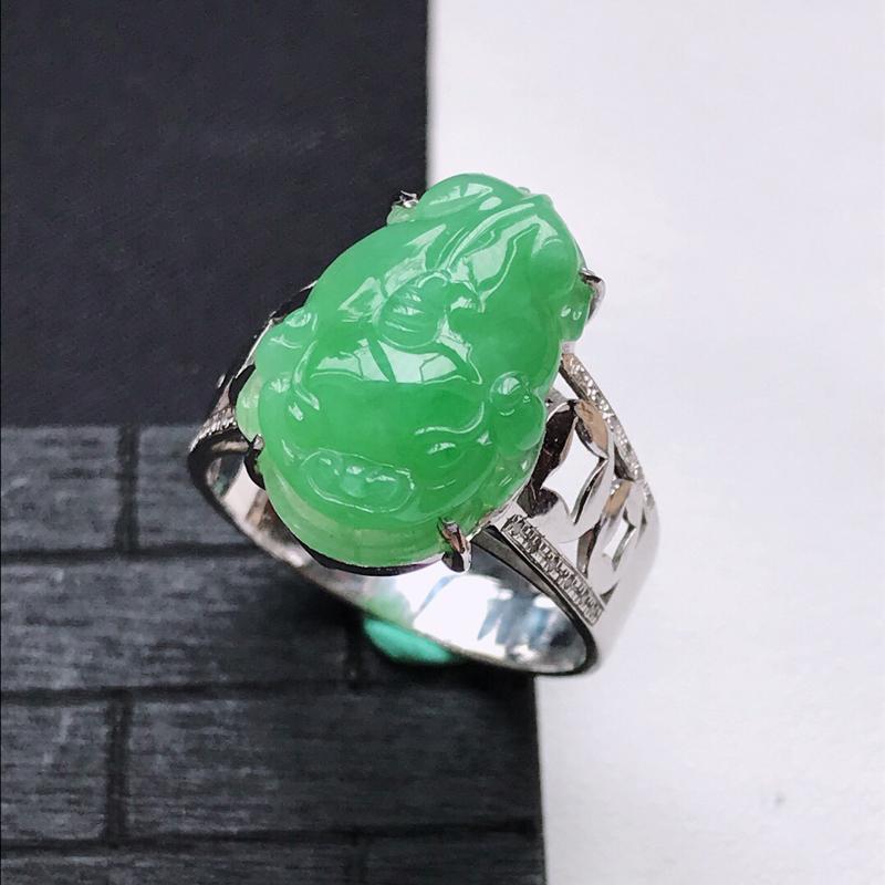 天然翡翠A货18K金镶嵌伴钻细糯种满绿精美貔貅戒指,内径尺寸19.1mm,裸石尺寸18.3-12-4