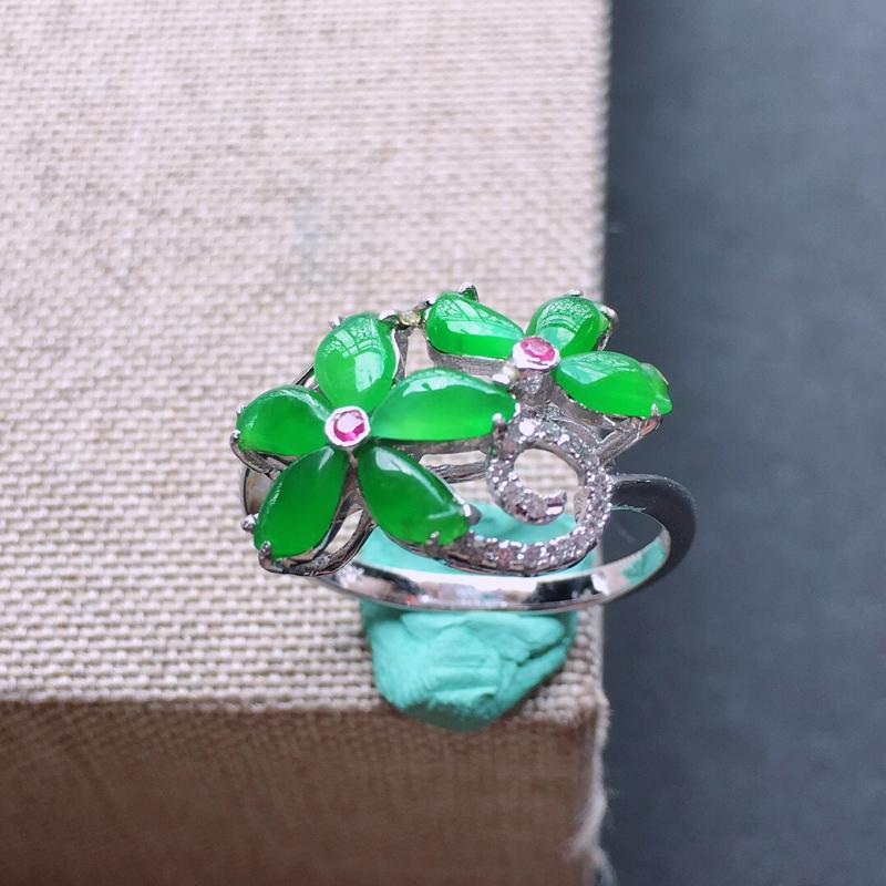 18k金伴钻镶嵌花开富贵戒指,