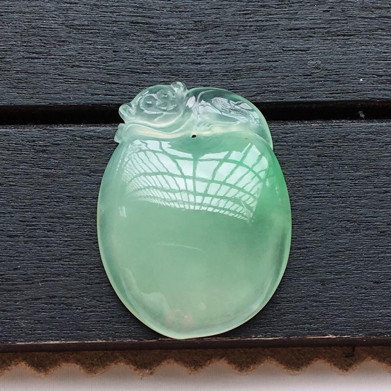 自然光实拍,缅甸a货翡翠,果绿福禄寿,种好水润,玉质莹润,精致迷人,颜色漂亮,佩戴佳品
