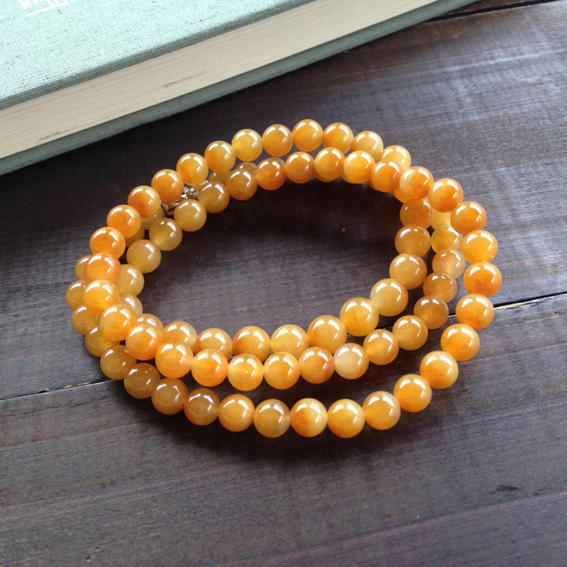黄翡手串,色泽艳丽多姿,寓意吉祥招财,很完美的珠子,值得推荐,尺寸:7.1mm/一共87颗