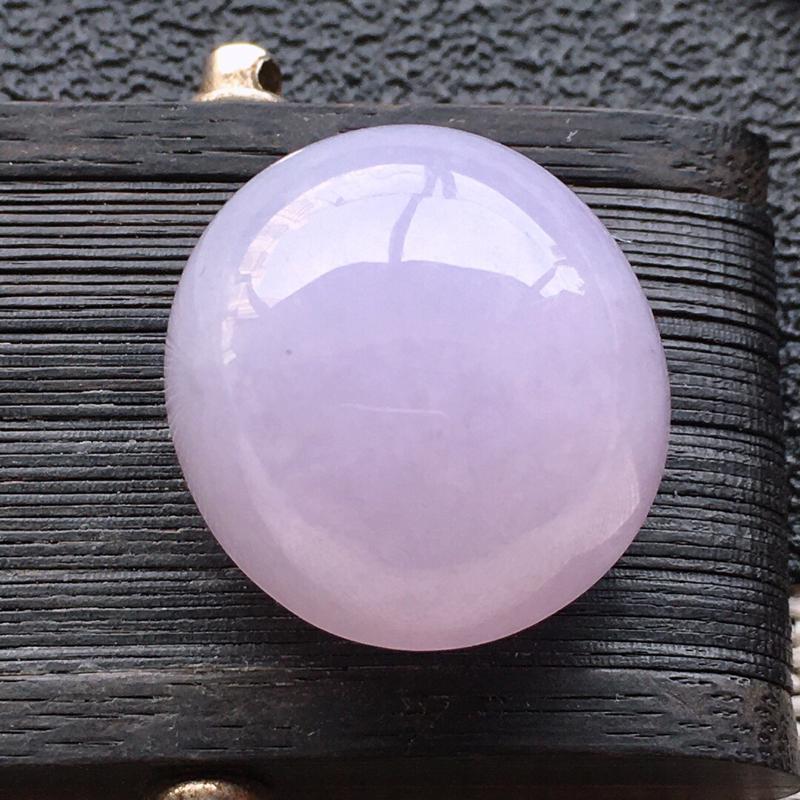 精品翡翠蛋面,雕工精美,玉质莹润, 尺寸:玉:17.7*16.3*11.6MM,总质量:5.6g